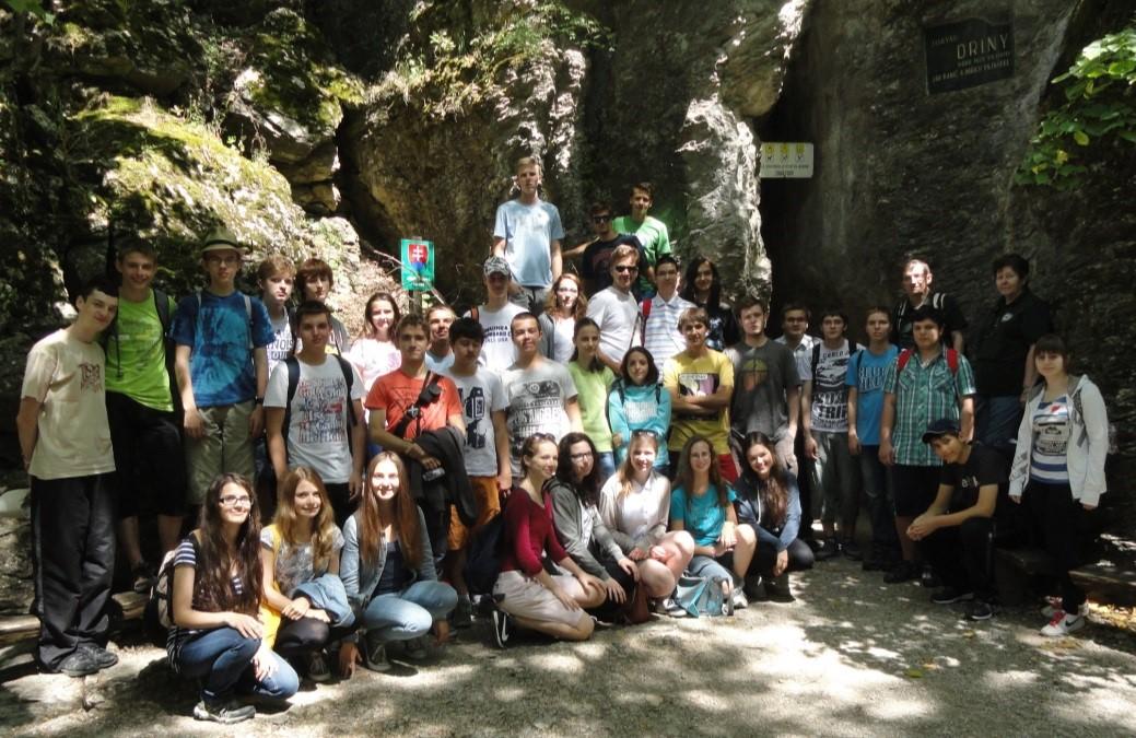 Pred jaskyňou Driny v roku 2015