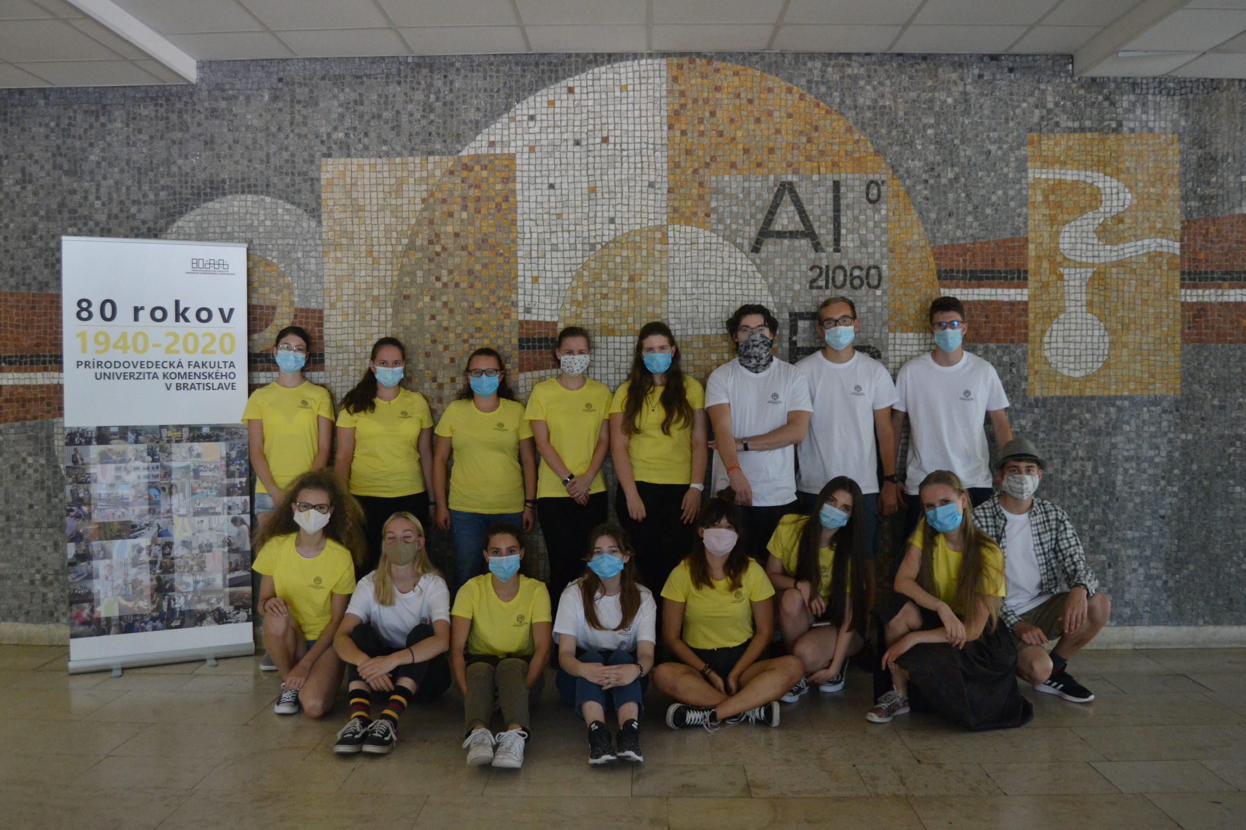 Účastníci CHEMoUK 2020 v rúškach