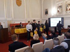 Riešitelia kategórie EF: Martin Kolář, Marek Petrinec a najlepší junior v kategórii EF, Oliver Szűcs