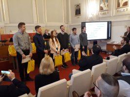 Úspešní riešitelia v kategórii EF: Nela Marianna Ridzoňová, Norbert Emödi, Jakub Matuška, Patrik Hollý, Dalibor Kováč a Dominik Skokan